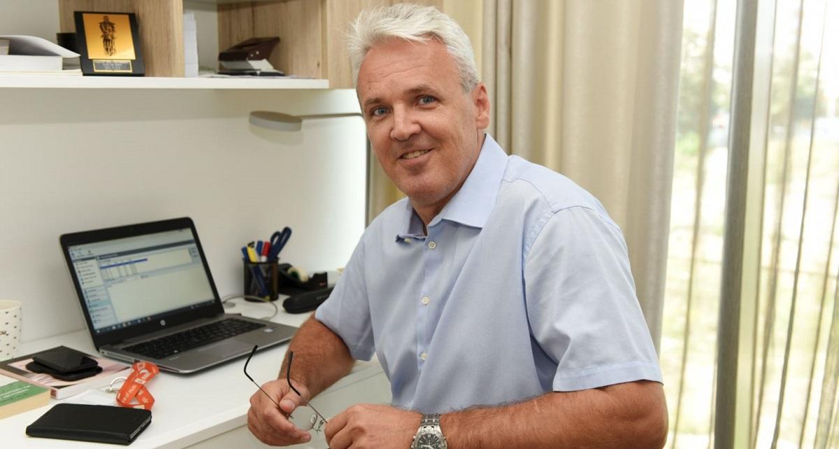 PETER TOPIĆ