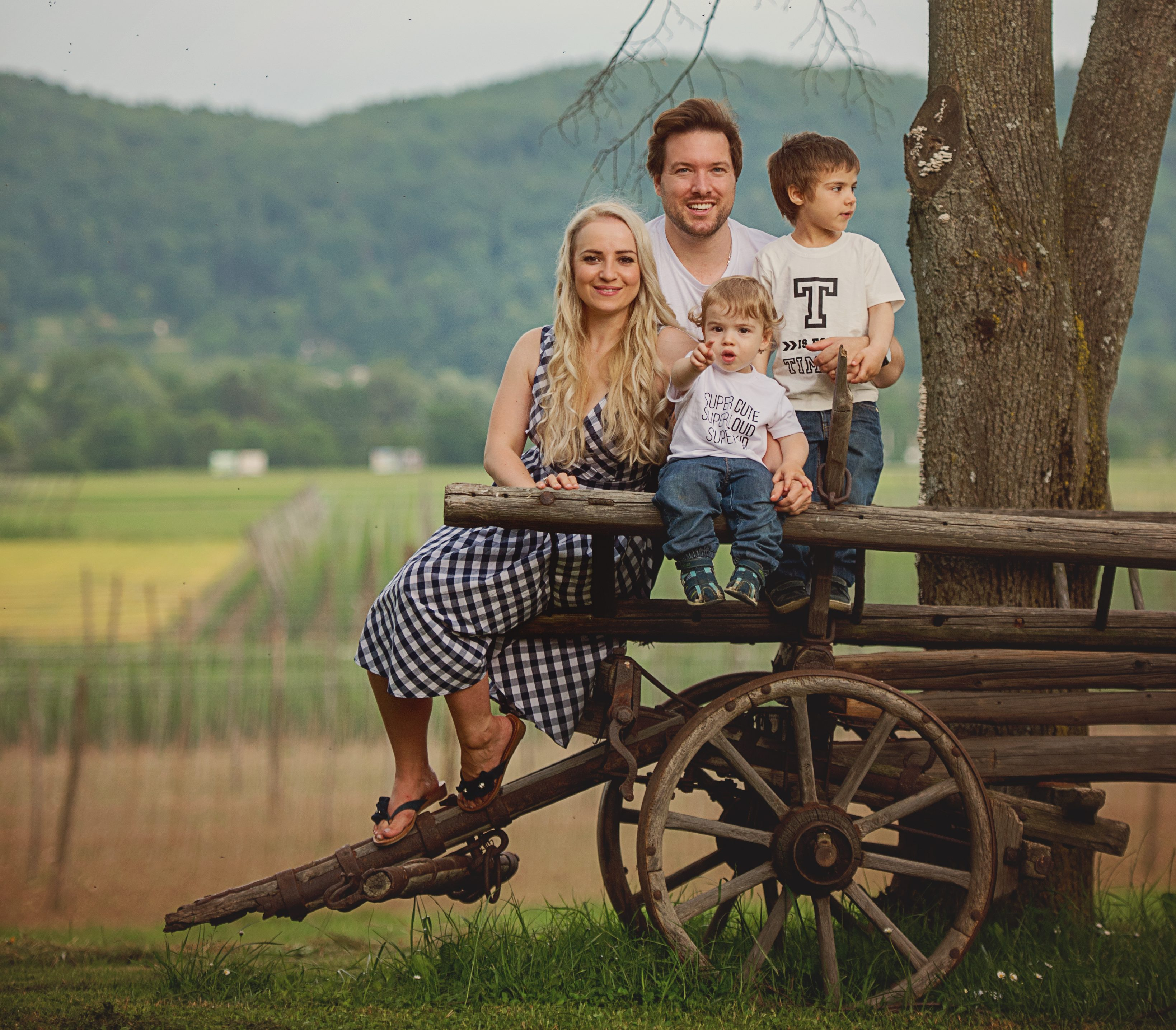 ANA ŽONTAR KRISTANC AND FAMILY